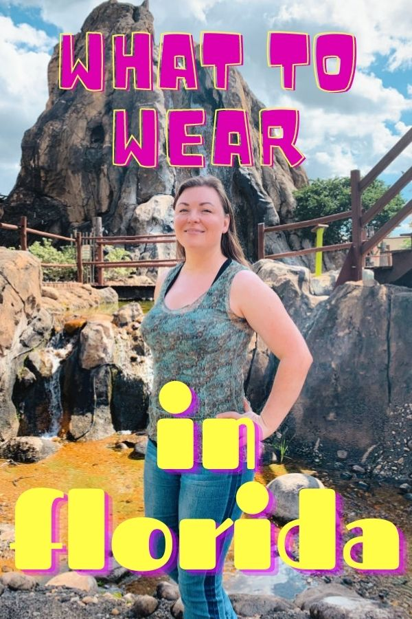 What to wear in Florida. Text over image of woman in front of a mini golf course.